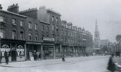 Essex Road at Northampton Street Islington, in 1900 terrace that completely disappeared after bomb damage London Pictures, London Photos, Old Pictures, Old Photos, Vintage London, Old London, London Street, London City, St Matthews Church