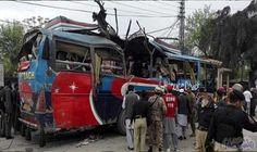 مقتل 12 شخصًا وإصابة 52 آخرين في…: قتل 12 شخصا وأصيب 52 آخرون، الجمعة، في انفجارين وقعا خارج محكمة شمال غربي باكستانوقعا خارج محكمة شمال…