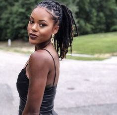 Natural Afro Hairstyles, Dreadlock Hairstyles, Twist Hairstyles, Natural Hair Styles, Pretty Dreads, Beautiful Dreadlocks, Sisterlocks, Mtv, Kimono Tee