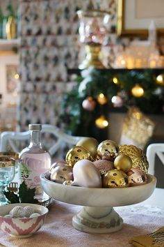 swoon-worthy-christmas-dining-room-blush-pink-gold-black-2