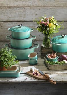 Established in Le Creuset makes versatile and powerful cookware that is unique in design and function. For professional caterers and amateur chefs alike, this cookware is everyone's favourite. Le Creuset Cookware, Cookware Set, Pastel Kitchen, Home Comforts, Kitchen Gadgets, House Gadgets, Living Room Kitchen, Kitchen Accessories, Kitchenware