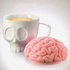 Un mug morbide au couvercle super original !