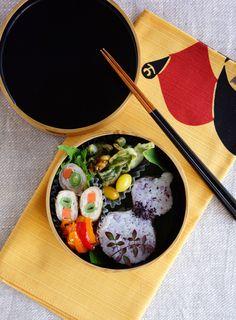 Fukinoto tempura bento・フキノトウの天婦羅弁当