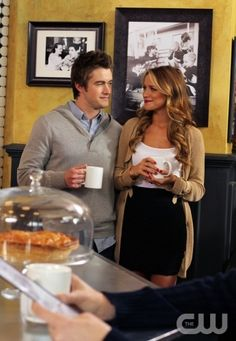 """This Is My House, This Is My Home"" - Robert Buckley as Clay, Shantel VanSanten as Quinn in ONE TREE HILL on The CW. Photo: Fred Norris/The CW ©2011 The CW Network, LLC. All Rights Reserved."