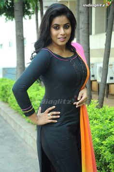 Beautiful Women Over 40, Beautiful Girl Indian, Beautiful Girl Image, Bhavana Actress, Most Beautiful Bollywood Actress, Tamil Girls, Indian Girls Images, Indian Actress Hot Pics, Beauty Full Girl