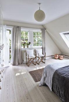 decoaddict: ray of light Dream Bedroom, Home Bedroom, Bedrooms, Room Inspiration, Interior Inspiration, Loft Style Apartments, 1930s House, Small Bedroom Designs, Scandinavian Interior