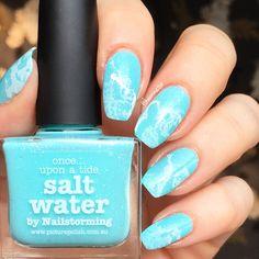 Beach-y summer nails
