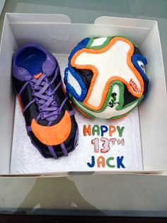 Football boot and ball. Featuring the World Cup football ball, the brazuca. Blue, orange and green- Brazils colours. Nike boot in purple, black and orange. Guy Birthday, Football Birthday, 13th Birthday, Cake Birthday, Birthday Ideas, Blue Orange, Purple, Nike Boots, Teen Guy