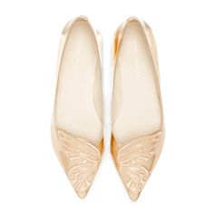 Rose gold flat finished with an embroidered Butterfly. A fun flat guaranteed to put a spring in your step.