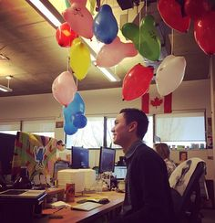 Congratulations Andy on his 4 year Hootsuite anniversary! Andy's team decorated his desk space with colourful balloons hanging from the ceiling. This is how we celebrate at Hootsuite!   Photo by @jaimestein @andy_au #Hootsuitelife
