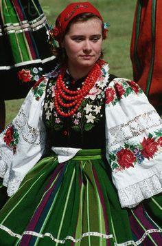 Polish woman in traditional Polish folk costume. region of Łowicz, Poland Polish Clothing, Folk Clothing, Polish Folk Art, Costumes Around The World, Ethnic Dress, Arte Popular, Folk Costume, Ethnic Fashion, World Cultures