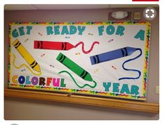 the class with these cool back to school bulletin board ideas Crayon bulletin board for back to school!Crayon bulletin board for back to school! Crayon Bulletin Boards, Creative Bulletin Boards, Kindergarten Bulletin Boards, Back To School Bulletin Boards, Classroom Bulletin Boards, Art Classroom, August Bulletin Boards, Back To School Art, Turtle Bulletin Board