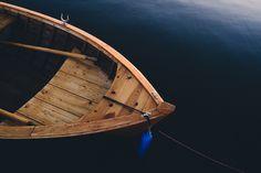 Descargar foto gratis de una barca de madera > http://imagenesgratis.eu/imagen-gratis-de-una-barca-de-madera/
