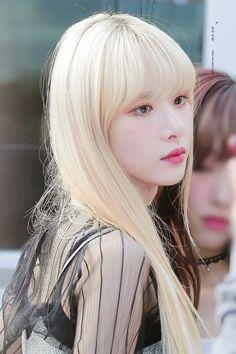 Kpop Girl Groups, Korean Girl Groups, Kpop Girls, Kim Hyun, Red Velvet Seulgi, Cosmic Girls, Cute Korean, Kpop Outfits, Best Model