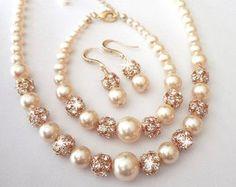 Items similar to Iridescent pearl bracelet and earrings set Swarovski pearls Purple Peacock bracelet and earrings set Destination wedding jewelry LOLITA on Etsy Chunky Perlenarmband und Ohrringe von QueenMeJewelryLLC Pearl Jewelry, Beaded Jewelry, Jewelery, Pearl Bracelets, Pearl Rings, Pearl Necklaces, Jewelry Bracelets, Geek Jewelry, Gothic Jewelry