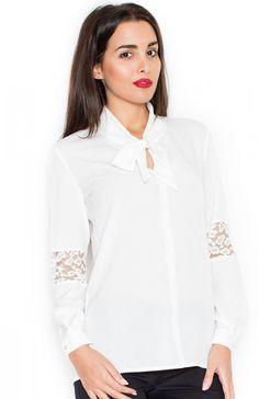 Katrus K325 bluzka ecru Elegancka bluzka, wykonana z gładkiej i delikatnej dzianiny, długi rekaw