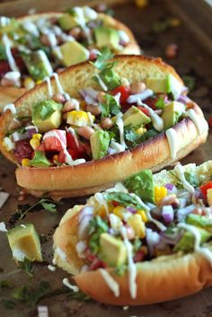 Tex-Mex Hot Dog -- now that's a hot dog! The stuff inside looks delish but the hot dog is a wee bit scary but worth a whirl to try it. I Love Food, Good Food, Yummy Food, Healthy Food, Sonoran Hot Dog Recipe, Comida Tex Mex, Gourmet Hot Dogs, Beste Burger, Hot Dog Recipes
