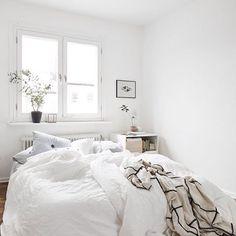perfect white bedroom by for White Bedroom, Dream Bedroom, Home Interior, Interior Design, Ideas Hogar, Minimalist Room, Piece A Vivre, Bedroom Styles, New Room
