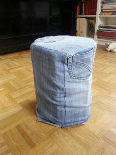 Hocker aus Tetra Paks und alter Jeans