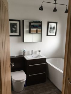 #VPShareYourStyle This contemporary bathroom design by Suzanne from Maidstone uses black and white contrasting bathroom furniture to create a distinct and stylish look.