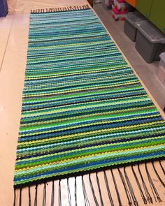Discount Carpet Runners For Stairs Beige Carpet, Diy Carpet, Painting Carpet, Recycled Fabric, Carpet Runner, Woven Rug, Rug Making, Scandinavian Style, Table Runners