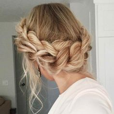 braided halo for summer hairstyle