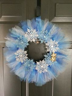 Winter wreath made from tulle & snowflakes.