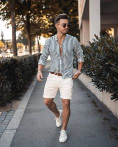 43 Elegant Man Spring Outfits Ideas That Will Trendy In 2020 - This upcoming spring, bright colors are truly in style right now for men. There is no better way for a man to look handsome and attractive then wearin. Summer Outfits Men, Stylish Mens Outfits, Men Summer Fashion, Men's Summer Clothes, Men Summer Style, Trendy Mens Fashion, Hipster Fashion, Fashion Men, Stylish Outfits