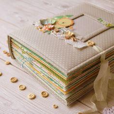 Всем большой привет!  А я снова с большим альбомом и снова для мальчика ;)))) Но лежит, лежит девчачия бумажка и ждет своего звездного час...