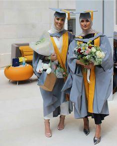 Image about fashion in HIJAB II by Nana on We Heart It Hijab hijab graduation Dresses For Graduation Ceremony, Graduation Flowers, Graduation Picture Poses, College Graduation Pictures, Graduation Photoshoot, Graduation Diy, Modest Outfits, Modest Fashion, Hijab Fashion