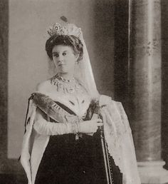 Grand Duchess Maria Pavlovna, the Younger, wearing a lovely sapphire tiara by Cartier.