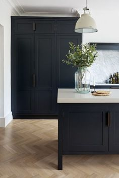 These Dark Kitchen Cabinet Ideas Will Change the Way You Plan Kitchen Remodel . These Dark Kitchen Cabinet Ideas Will Change the Way You Plan Kitchen Remodel – Nu Kitchen Design Black Kitchen Cabinets, Black Kitchens, Home Kitchens, Kitchen Black, Kitchen Walls, Tall Cabinets, White Cabinets, Kitchen Island Against Wall, Kitchen Cabinets Floor To Ceiling