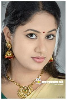Jyothi Krishna Beautiful Girl Indian, Beautiful Lips, Beautiful Indian Actress, Gorgeous Women, Indian Eyes, Arabian Beauty, Saree Photoshoot, Glamorous Makeup, Cute Girl Pic