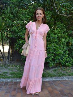 Paula Echevarría con un vestido largo estampado de Hoss Intropia