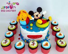 עוגת פו הדב ומיקי מאוס בבריכה וקאפקייקס תואמים מאת שיגעון העוגות pooh the bear and mickey mouse in the pool cake and cupcakes by cakes-mania - www.cakes-mania.com