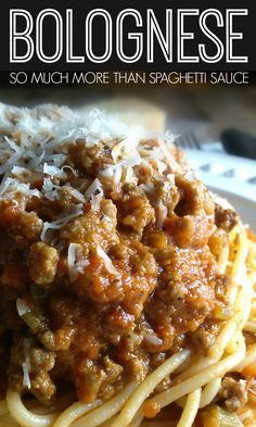 A rich Italian meat sauce recipe made with beef and pork with layers of flavor perfect over pasta or in lasagna. Bolognese Sauce - A rich Italian meat sauce recipe made with beef and pork with layers of flavor perfect over pasta or in lasagna. Italian Meat Sauce, Italian Meats, Italian Dishes, Italian Recipes, Italian Lasagna, Homemade Bolognese Sauce, Slow Cooker Bolognese Sauce, Spagetti Bolognese Recipe, Beef Bolognese Recipe