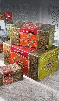 Set of 3 hand painted rectangular wooden boxes Wooden Box Designs, Decorative Wooden Boxes, Painted Wooden Boxes, Hand Painted Furniture, Wood Boxes, Wooden Box Crafts, Decoupage Box, Altered Boxes, Indian Home Decor