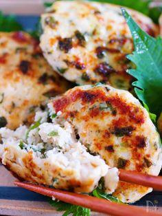 Salmon Burgers, Cauliflower, Vegetables, Cooking, Ethnic Recipes, Food, Kitchen, Cauliflowers, Essen