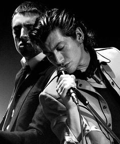 Turner & Mile Kane - The Last Shadow Puppets Alex Turner, Matt Helders, Monkey 3, The Last Shadow Puppets, Alexa Chung, Gorgeous Men, Cool Bands, Arctic, Music Artists