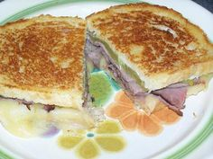 Grilled Roast Beef and Melted Pepper Jack Cheese Sandwich Roast Beef Grilled Cheese, Roast Beef Sandwiches, Wrap Sandwiches, Cheese Sandwich Recipes, Tuna Melts, Pepper Jack Cheese, Cooking Recipes, Drink Recipes, Food And Drink