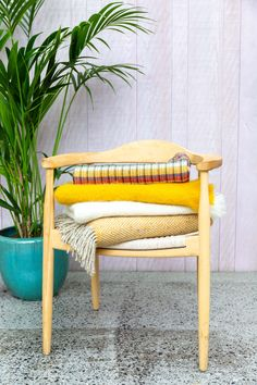 Vanity Bench, Your Favorite, Hand Weaving, Accent Chairs, Blanket, Furniture, Home Decor, Upholstered Chairs, Decoration Home