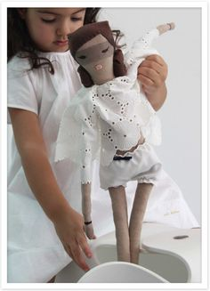 Imaginative doll play is great for the development of our little ones. SHE-ROE is one heroic doll @DumyeDolls / #ragdoll, #personalize, #organic