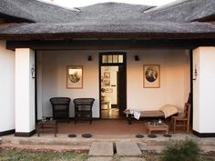 Johannesburg Satyagraha House South Africa, Africa Set in a prime location of Johannesburg, Satyagraha House puts everything the city has to offer just outside your doorstep. The hotel offers a wide range of amenities and perks to ensure you have a great time. Take advantage of the hotel's free Wi-Fi in all rooms, facilities for disabled guests, Wi-Fi in public areas, car park, room service. Guestrooms are designed to provide an optimal level of comfort with welcoming decor an...