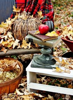 fall-decorating  check out  Thislewoodfarms.com for more great ideas