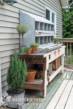 Pairing and old workbench with an antique galvanized chicken nesting box to make a potting bench.two of my favorite things put together! Outdoor Sinks, Indoor Outdoor, Outdoor Decor, Outdoor Stuff, Outdoor Projects, Outdoor Ideas, Outdoor Spaces, Chicken Nesting Boxes, Potting Tables
