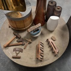 """""""I continued in the studio of Mr. Constantin Brancusi where I had the opportunity of a life-time in working under a real master. There I assiduously studied his method of handling sculptural material, a method so entirely reasonable and free from tricks that I feel convinced that it must be much the same as that practiced by the ancient Greeks."""" –Isamu Noguchi, in his quarterly report to the Guggenheim Foundation, September 1927. Last weeks to see #ImpasseRonsin at @kasmingallery, 515 W…"""