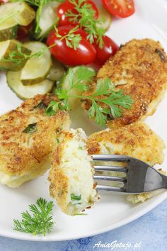 Kotlety z kalafiora. Cauliflower Patties, Food Design, Quick Easy Meals, Kids Meals, Vegan Vegetarian, Vegan Recipes, Good Food, Veggies, Food And Drink