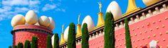 La Torre Galatea (Figueres, España)   Entre las paredes de la magnífica torre Galatea, situada en la ciudad catalana de Figueres, pasó sus últimos días el artista Salvador Dalí. Después de su muerte, se abrirían las puertas del edificio con el cartel de Teatro-Museo de la Fundación Dalí. El propio Dalí decidió instalar su museo sobre las ruinas del antiguo teatro de Figueres, destruido durante la Guerra Civil española.
