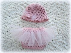 This adorable crochet pattern is a perfect newborn photo prop! This tutu baby set charms everyone. It is a perfect shower or newborn baby gift. This is a CROCHET PATTERN listing, not the physical tutu diaper cover or hat.  ♥ Pattern name: Tutu Diaper Cover and Hat Pattern ♥ Easy pattern works up very quickly using worsted weight yarn held double for a cute chunky look. Pattern includes sizes for a Newborn and 0-3 months. The pattern is written in American Standard Terms using basic crochet…