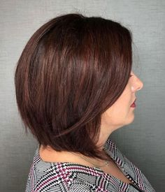 Medium Length Bob Hairstyles For Women Over 40 - Hairstyles Layered Haircuts For Women, Bob Hairstyles For Round Face, Over 40 Hairstyles, Medium Bob Hairstyles, Haircut For Thick Hair, Short Hairstyles For Women, Popular Hairstyles, Medium Length Bobs, Medium Hair Cuts